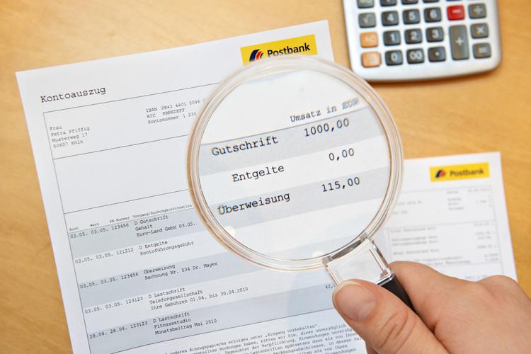 Bankkunden sollten ihre Kontoauszüge regelmäßig überprüfen.