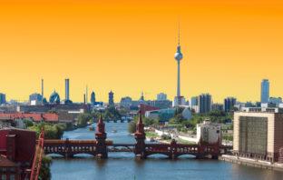 Skyline von Berlin im Sonnenuntergang