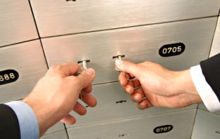 Ein Bankschließfach ist ein sicherer Aufbewahrungsort für Werte