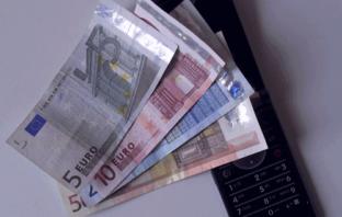 Telekom Unternehmen machen Banken und Sparkassen Konkurrenz im mobilen Bezahlen