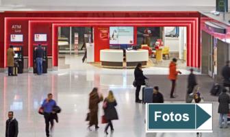 Blick auf eine der Bankfilialen am Flughafen Toronto