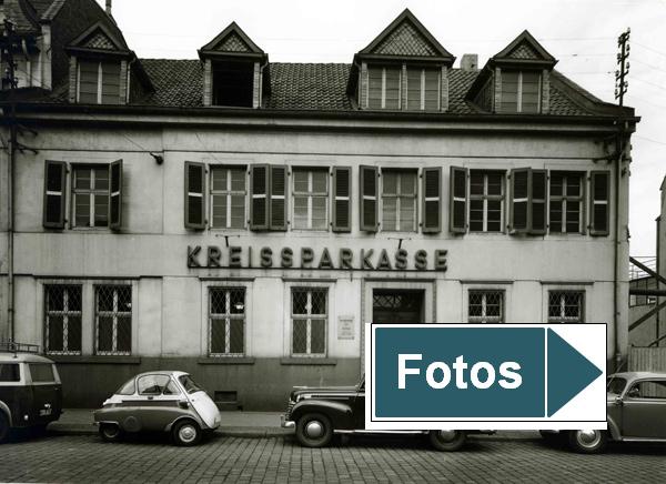 Serie historischer Bilder der Sparkassenfiliale Frechen