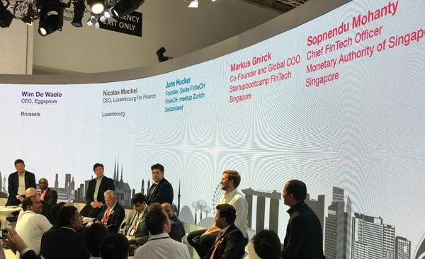 Blick auf das Panel bei einer Diskussion an der SIBOS 2015 in Singapur