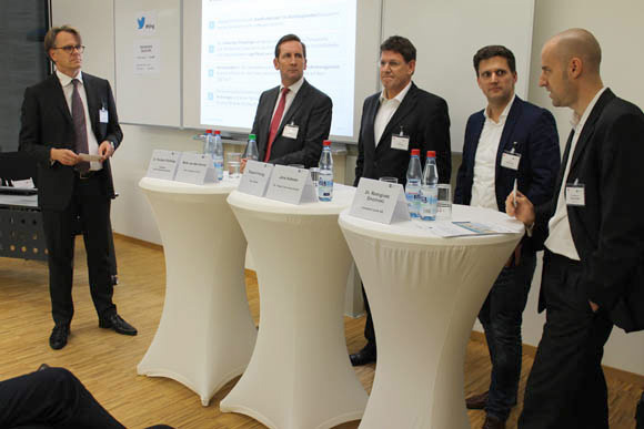 Teilnehmer der Podiumsdiskussion FinTech und Banken