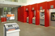 Die SB-Zone einer größeren Sparkassenfiliale