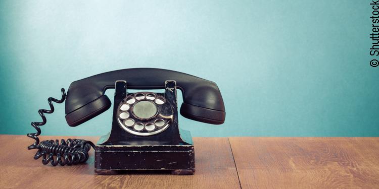Telefon mit Wählscheibe aus den 30er Jahren