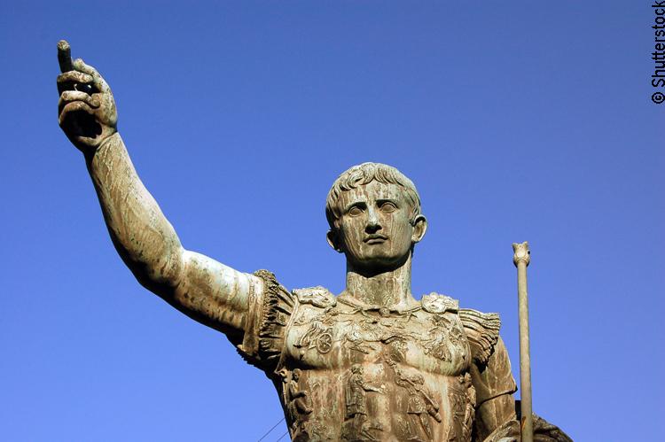 Bronzestatue von Cäsar in Rom