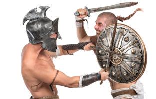 Zwei Gladiatoren im Kampf
