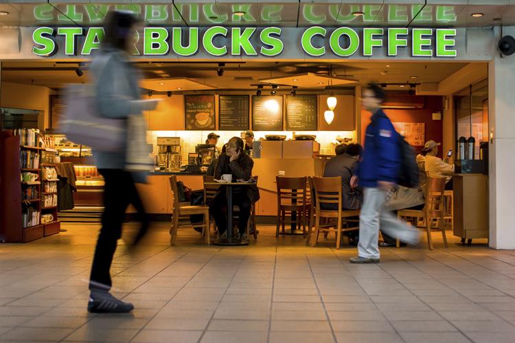 Kaffee bezahlen mit der Starbuchs App