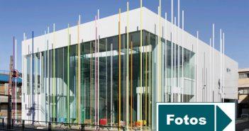 Bilder von der neuen Filiale der japanischen Sugamo Shinkin Bank in Ekoda, Tokio