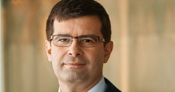 Frank Annuscheit Chief Operating Officer Commerzbank AG