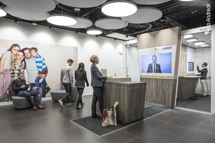 Bankschalter persönlich und digital