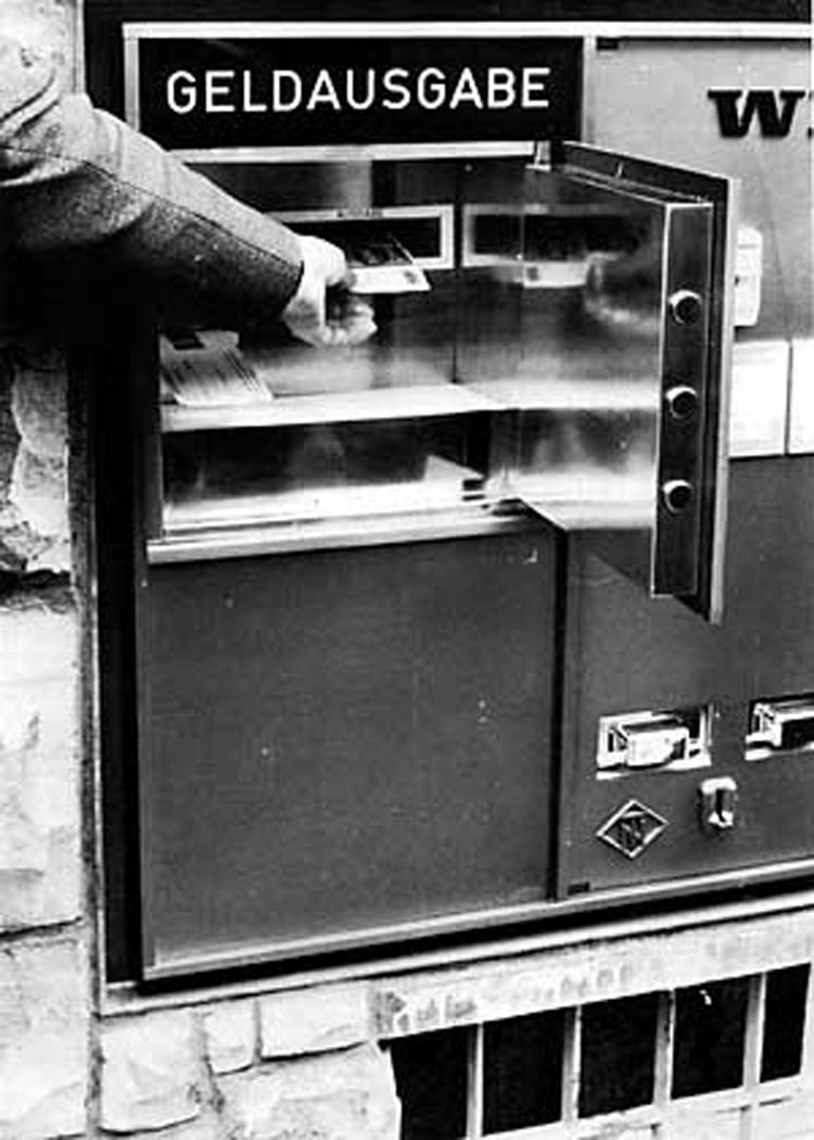 Erster deutscher Geldautomat