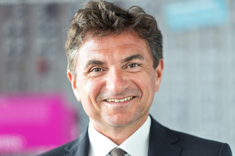 Dr. Ferri Abolhassan - Telekom Deutschland