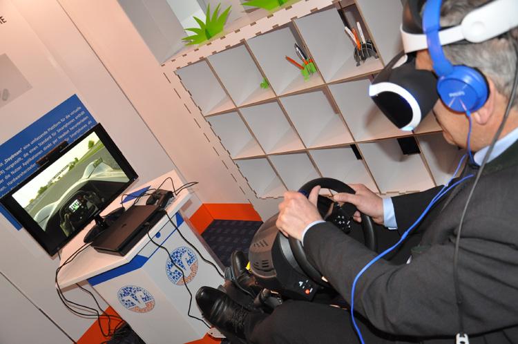 Autosimulator verbindet Realität und Virtual Reality