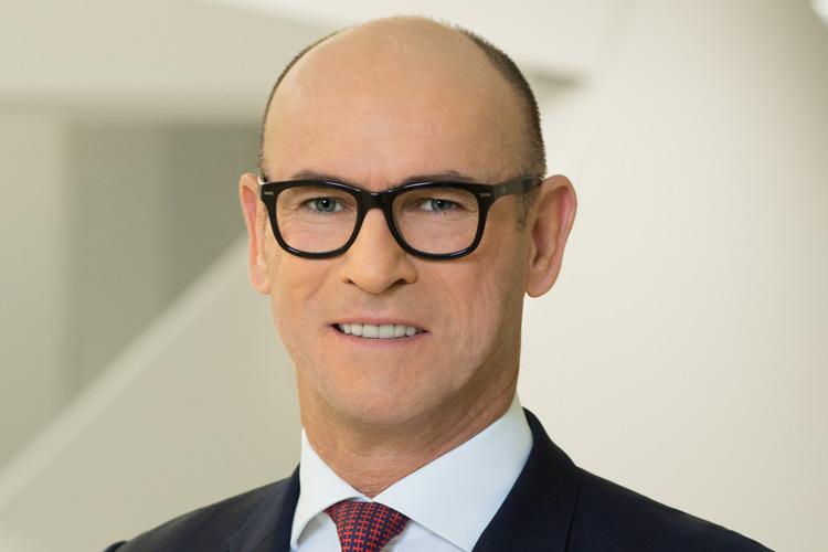 Peter Buschbeck - Vorstand HypoVereinsbank
