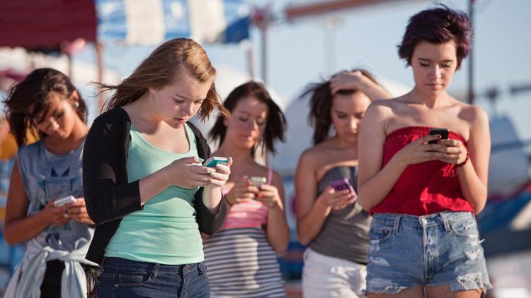 Smartphone Banking ist in der Generation Z weit verbreitet.