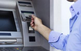 Bargeldbezug am Geldautomaten