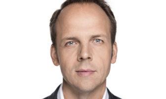 Dr. Markus Pertlwieser – Deutsche Bank