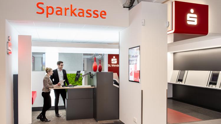 Filiale der Kreissparkasse Sankt Wendel im Saarland mit Geldautomat und Cash Recycler