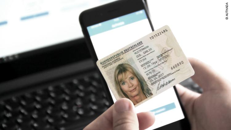 Das Smartphone wird zum Lesegerät des Personalausweises