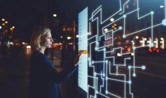 Künstliche Intelligenz verbessert digitalen Kundenservice im Banking