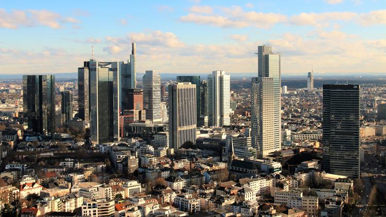 Blick auf die Bankenmetropole Frankfurt am Main