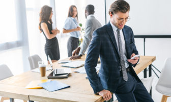 Firmenkunden nutzen digitale Kanäle für Information und Service