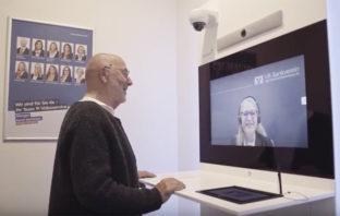 Digitale Finanzberatung per Video in der Bankfiliale
